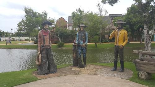 O xerife e seus dois subordinados