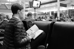 Waiting for the flight to Frankfurt (Papaye_verte) Tags: blackwhite airport artist drawing montreal dessin artiste aroport