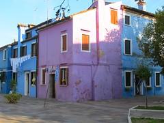 Burano (manu/manuela) Tags: italia italy italie burano island isola le couleurs colori case blue rosa sole