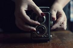 the Semflex progression (Nicolas Fourny photographie) Tags: camera flesh canon 50mm hands shadows dof skin sensual depthoffield nails vintagecamera sensuality rednails semflex naillacquer 600d sensualit beautifulhands profondeurdechamp eroticpose womanhands