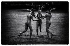 Dancing Ladies (michael_hamburg69) Tags: uk england sculpture hare artist skulptur exhibition tarot salisbury wiltshire sculptor hase hasen plastik hares knstler threeofcups sophieryder southwestengland hsin lajoiedevivre ladyhares hsinnen monumentalsculptureexhibition