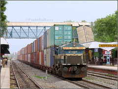Giant Double Stack Container Train !! (PrathzRailLover) Tags: irfca indianrailways doublestackcontainer doublestack sbiwdg4 wdg4 concor falna nwr emd rajasthan india