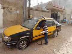 Le taxi des enfants (Waynuma) Tags: ngor dakar senegal taxi kids nikoncoolpixs9900 nikon coolpix s9900 peugeot 309
