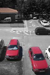 P1280601 (Jusotil_1943) Tags: cutout redcars coches autos cars tejado