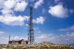 Morrone Summit (Neillwphoto) Tags: morrone braemar summit telecoms mast shelter trigpoint clouds