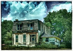 Another look back.... (Sherrianne100) Tags: rural deserted dilapidated ozarks missouri oldhouse