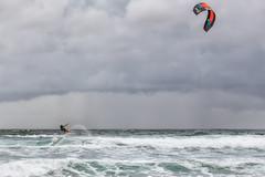 Kitesurf en Atxabiribil (Alfredo.Ruiz) Tags: atxabiribil bizkaia sopelana beach clouds foam landscape ocean sand sea spain wind waves