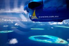 上帝灑落的珍珠 (Clonedbird 克隆鳥 & Iris 艾莉絲) Tags: male landscape island nikon indianocean resort ja maldives seaplane 風景 馬爾地夫 d810 nokkor 馬列 水上飛機 環礁 印度洋 馬爾代夫 manafaru