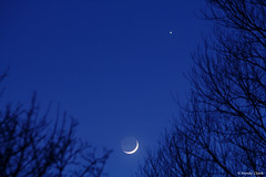 Crescent Moon, Earthshine & Venus (twinklespinalot) Tags: venus crescentmoon earthshine conjunction sigma70300mm canoneos700d