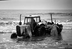 (Gabain) Tags: sea film boat fishing fishermen minolta baltic usedom x700 rokkor adox 200mmlens chs25 klpinsee