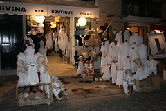 Boutque (finestra29) Tags: mallorca stadt macht boutique spanien weiss puppe