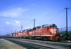 CB&Q GP35 979 (Chuck Zeiler) Tags: cbq gp35 979 burlington railroad emd locomotive train aurora chz