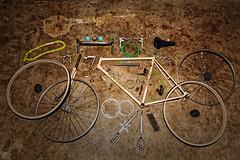 Vintage Peugeot Disassembled (flickranet) Tags: photomyde flickranet photomy canon ef 28mm 118 vintage 5dmkiii disassembled rennrad roadbike altona bike