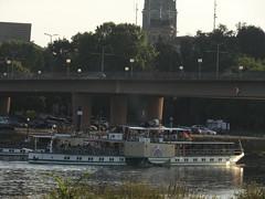 Dresden-0127_1 (pischty.hufnagel) Tags: dresden elbe dampfschiff dampfschifffahrt kurort rathen wende schaufelraddampfschiff schaufelraddampfer