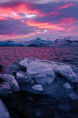 Magic Icelandic Sunset (ChecaPablo) Tags: sunset orange sun sol set canon de eos iceland islandia purple magic 7d puestadesol puesta naranja morado mgica jkulsarln canoneos7d