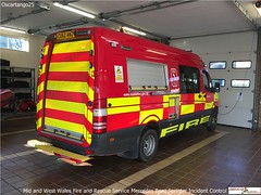 Mid and West Wales Fire and Rescue Service Mercedes Benz Sprinter Control Vehicle (Oscartango25) Tags: rescue west wales fire mercedes benz control 101 vehicle service mid 999 sprinter welshpool mawwfrs