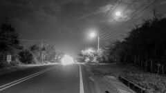 Carreteras Puerto Colombia - Barranquilla. (LuisK) Tags: cielo carretera largaexposicin exposicion exposure luz luces bw blanco negro