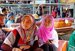 Malaysian Girls (meymedali) Tags: thailand muslim floatingmarket malay