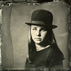 [mG] Collodion 2 ([Eric OLIVIER]) Tags: wetplate wet plate collodion ambrotype 18x18cm industar i13 30cm f45 portrait chapeau jeune homme fille young studio strobe 1200w flash