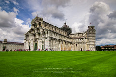Piazza dei Miracoli (Luis Sousa Lobo) Tags: img43253 pisa itlia italy tuscany toscana monumento catedral cathedral canon 70d 1018 sky cu clouds nuvens