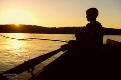 'Guri pescador' (Suzana Fernandes Fotografia) Tags: rio grnde do sul alecrim barco bolt pescaria uruguai pescador canoeiro caico caique barranca por sol costeira
