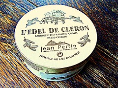 L' Edel de Cleron (knightbefore_99) Tags: tasty food cheese soft edel cleron milk lait jeanperrin french france classic franchecomte fromage delicious queso vacherin