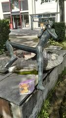 Bookcrossing release (zimort) Tags: bok bookcrossing book wildrelease gjvik pan park skulptur kunst art sculpture