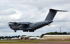 Atlas (Bernie Condon) Tags: riat riat16 airtattoo tattoo ffd fairford raffairford airfield aircraft plane flying aviation display airshow uk 2016 british raf royalairforce military warplane airbus a400m airlift transport cargo tactical