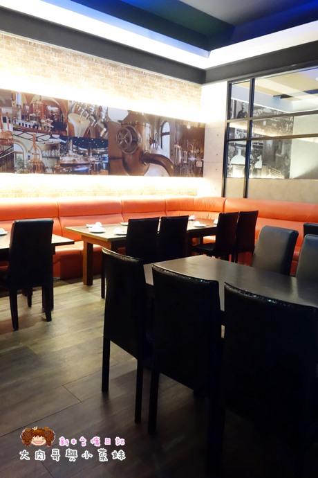 歐麥主題餐廳環境 (5).JPG