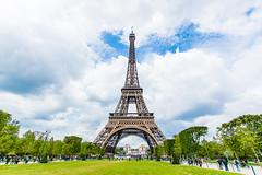 Tour Eiffel (LandAndNightscape) Tags: paris france travel toureiffel jardin champdemars sky clouds nuage people garden monument architecture patrimoine