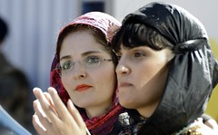 Red scarf & Black scarf (SAN_DRINO) Tags: black scarf red lipstick iranian girl glasses reflections
