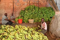 UNSOS-11 (FAO-Somalia) Tags: auunist africa mogadishu ramadan somalia bananas holymonth koran markets mosque prayer praying