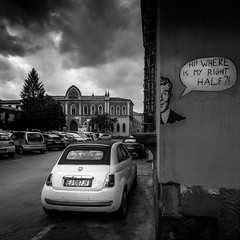 FIAT 500 (RobMenting) Tags: 70d eos building travel car city architecture itali canon europe lucca canoneos70d