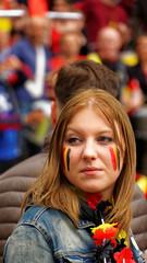 2016-06-18_17-30-28_ILCE-6300_9148_DxO (miguel.discart) Tags: 2016 247mm belgique belgium belira belirl bru brussels bruxelles bxl candidportrait candide candideportrait createdbydxo drapeau dxo e18200mmf3563oss editedphoto euro euro2016 flag focallength247mm focallengthin35mmformat247mm football ilce6300 irlande iso200 pedestrian pietonnier sony sonyilce6300 sonyilce6300e18200mmf3563oss sport