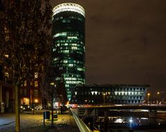 Frankfurt Westhafen (andre.douque) Tags: nacht frankfurt brcke westhafen langzeitbelichtung fototour gerippte stadtevents westfafentower