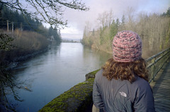 laurie, snoqualmie falls (natebeaty) Tags: film washington snoqualmie olympusxa dwaynesphoto lomo800