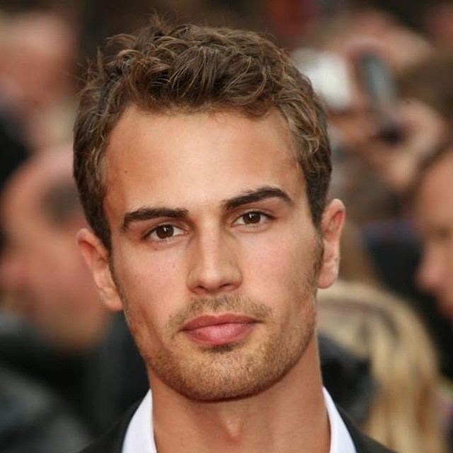 Lost in his eyes. *drool* #Divergent