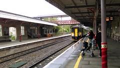 FGW 153318, Kemble (sgp_rail) Tags: station train rail railway gloucestershire gw glos 153 kemble fgw 153318 2g82