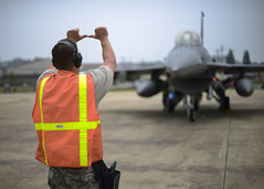Bulldogs integrate with Mustangs (Official U.S. Air Force) Tags: airforce usaf airnationalguard ang guard guardsmen f16 fightingfalcon fighter osan duluth bulldogs osanairbase pyeongtaek southkorea