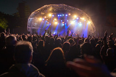 16_ChrisStanbury_Wed (65) (Larmer Tree) Tags: wednesday hands audience crowd mainstage 2016 handsintheair chrisstanbury