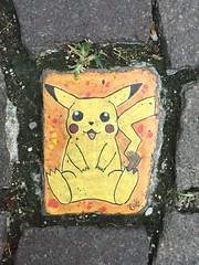 "I catch a pikachu with my Camera (""ricardahannemann"") Tags: grafitty streetart street iphone6 love romantic fun yellow italia italien bardolino catchifyoucan pokemongo pokmon pikachu"