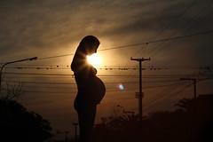 lo preciado (* LiLA *) Tags: atardecer embarazo madre panza figura contraste bebe