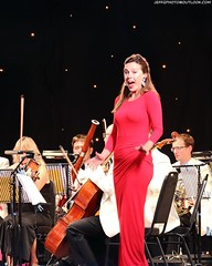 Mary Bevan @ Opera Al Fresco (Jeff G Photo - 2m+ views! - jeffgphoto@outlook.com) Tags: canarywharf canarywharfsummerconcerts operaalfresco canadapark opera marybevan soprano