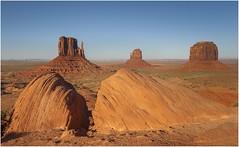Monument Valley 0011 (Ezcurdia) Tags: monumentvalley utah arizona usa eeuu navajo tsebiindisgaii limolita navajotrivalpark johnfordpoint