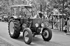 Trammelant 2016 (grommelke007) Tags: trammelant 2016 de haan aan zee dehaanaanzee dehaan tractor zwartwit black whit zwart wit