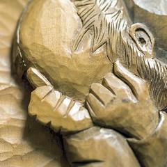 "Van Gogh's ""At Eternity's Gate"" in wood (Wouter de Bruijn) Tags: hasselblad 500cm zeiss sonnar 150mm kodak portra portra160 kodakportra film filmisnotdead filmphotography analogphotography analog 6x6 120 120film macro closeup wood carving art vangogh vincentvangogh man sorrow thinking sad"