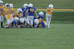 1333 (bubbaonthenet) Tags: 09292016 game stma community 4th grade youth football team 2 5 education tackle 4 blue vs 3 gold