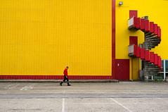 ~39~ (Julien.Rapallini) Tags: homme man fireman pompier walking marche urbain urban city ville 52 town oyonnax ain france french franais cigarettensmoking centreculturel jaune yellow red rouge escaliers stairway lignes blanc white lines trottoir reflets