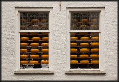 Cheese! (Ciao Anita!) Tags: windows friends reflection netherlands cheese nederland delft ramen olanda shopwindows formaggio riflesso finestre zuidholland kaas vetrine etalages theunforgettablepictures theperfectphotographer