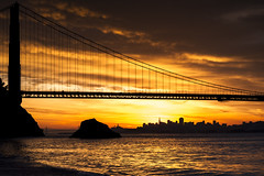 s y n c h r o n o u s - c i t y | san francisco, california (elmofoto) Tags: sf sanfrancisco california morning bridge november winter beach silhouette northerncalifornia skyline sunrise nikon unitedstates landmark icon explore burn goldengatebridge norcal millvalley d800 kirbycove 70200mm ggnra ggb fav100 fav200 fav300 explored 50000v viveza fav500 fav1000 nikond800 fav400 fav1500 fav600 fav700 fav800 fav900 fav1100 fav1200 fav1300 fav1400 fav1600 fav1700 ireview elmofoto lorenzomontezemolo nikcollection escaype sunriseforecasting